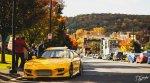 Żółte sportowe auto